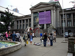 image of the vancouver art gallery one of the free things and stuff to do in vancouver