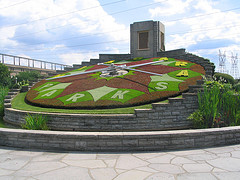 image of the floral clock one of the free things and stuff to do in Niagara Falls, Ontario, Canada