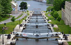 image of the rideau canal one of the free things and stuff to do in Ottawa