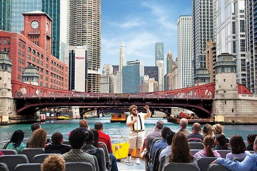 architectural river cruise one of the cheap, fun things to do in Chicago