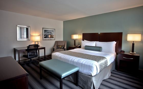 spacious room at the Best Western River North Hotel an affordable place to stay when visiting Chicago