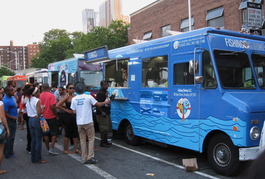image of a new york food truck one of the best cheap eats places in New York City (NYC)