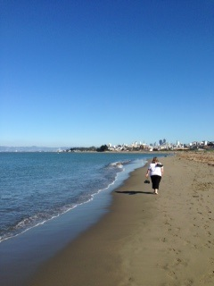 image of the crissy field beach one of the free, cheap, fun things to do in San Francisco