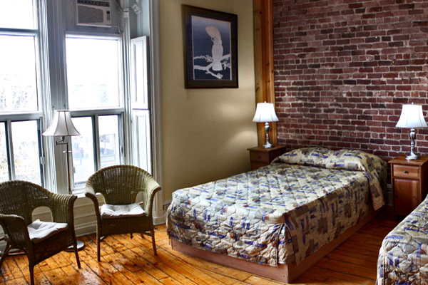 Cheap Places to Stay in Montreal