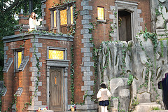 image of Shakespeare in High Park one of the cheap, fun things to see and do in Toronto