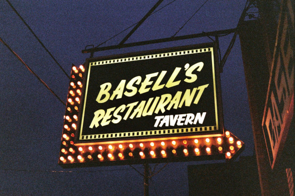 image of Basell's Restaurant and Tavern one of the best cheap restaurants and places to eat in Niagara falls, ontario canada