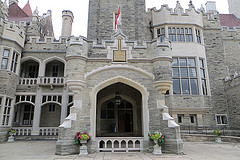 image of casa loma one of the cheap, fun things to see and do in toronto