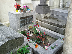 image of jim morrison's grave one of the Free Things and Stuff to Do in Paris