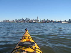 image of kayaking in the harbour one of the Free Things and Stuff to Do in New York City (NYC)