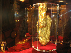 image of the largest gold nugget one of the Free Things and Stuff to Do in Las Vegas