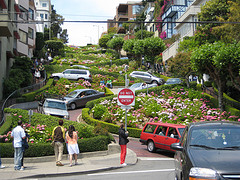 image of lombard street one of the Free Things and Stuff to Do in San Francisco