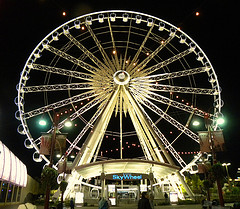 image of the niagara skywheel one of the cheap, fun things to do in niagara falls, ontario, canada