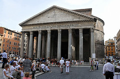 image of the patheon one of the Free Things and Stuff to Do in Rome
