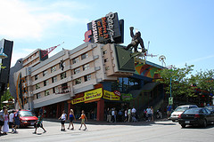 image of Ripley's Believe It or Not!, one of the cheap, fun things to do in niagara falls, ontario, canada