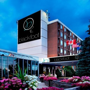 image of the Hotel Blackfoot one of the cheap hotels in Calgary