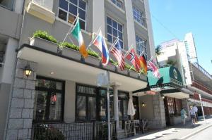 image of the kingston hotel one of the cheap hotels and places to stay in vancouver