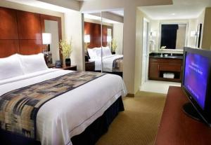 image of the The Residence Inn by Marriot Toronto Downtown one of the cheap hotels near the rogers centre