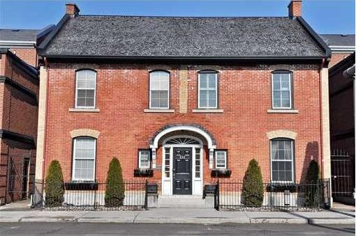 image of a cheap but super-clean, downtown vacation rental located in Ottawa