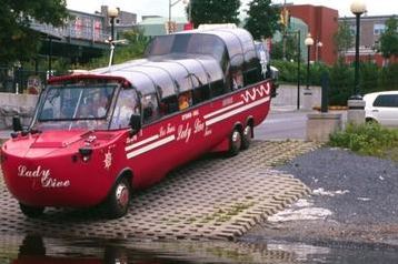 image of the Ottawa City Tour by Land and Water one of the affordable bus tours in ottawa