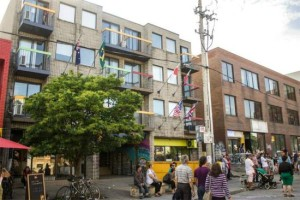 image of the college backpackers hostels one of the best affordable hostels in toronto