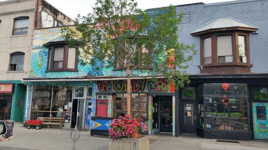 image of the only backpackers inn hostel one of the best, affordable hostels in toronto