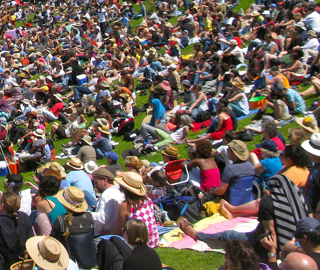 image of a crowd at an outdoor concert one of the events listed on the San Francisco events calendar