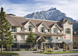 image of the Irwin's Mountain Inn one of the best cheap hotels and places to stay in Banff, Alberta