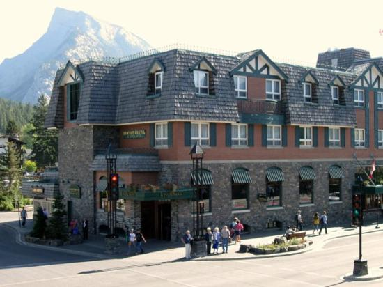 image of the Mount Royal Hotel one of the best cheap hotels and places to stay in Banff, Alberta