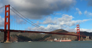 image of the golden gate bridge one of the attractions you see when you take the big bus San francisco hop-on hop-off daytime bus tour