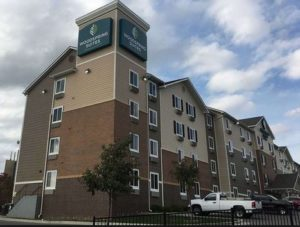 image of the Woodspring Suites Hotel one of the cheap places to stay in Kansas City, Missouri