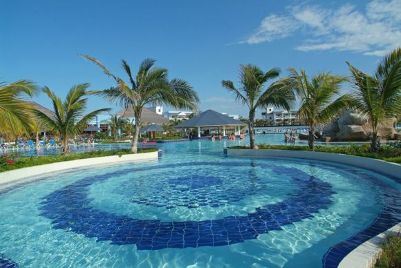 the pool at the affordable Fiesta Americana Holguin Costa Verde all-inclusive resort in Cuba